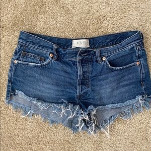 Free people distressed shorts, perfect condition